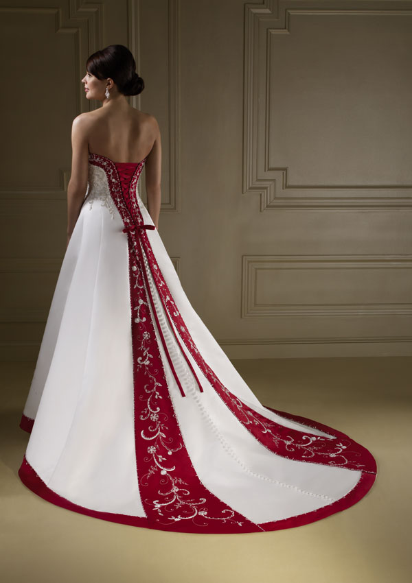 krasnoe-svadebnoe-krasivoe-plate-64512-large
