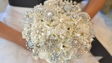 beautiful-pearl-bridal-Bouquets
