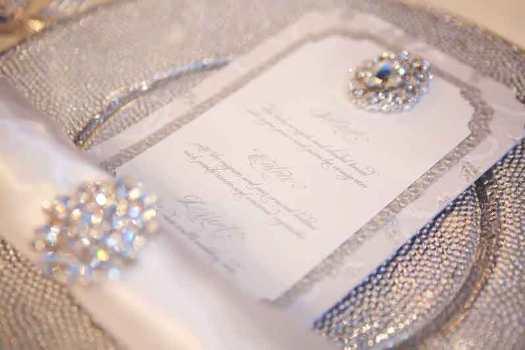 ite-silver-wedding-winter-wonderland-crystal-brooch-elegant-luxurious-wedding-menu-royal-invitation-custom-couture-san-diego-wedding-stationery-invitation1[1]